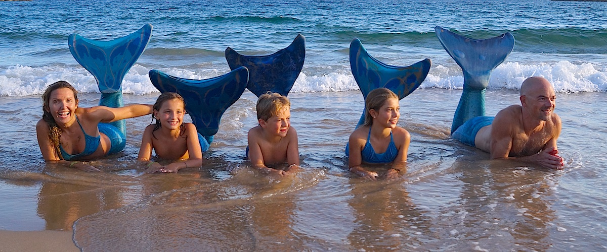 Sirenas-Academy-Family-1200×500